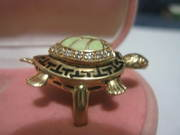 Продам женское эксклюзивное кольцо б/у